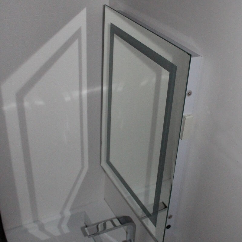 Miroir salle de bain 50x70 cm clairage led allumage for Miroir 50x70