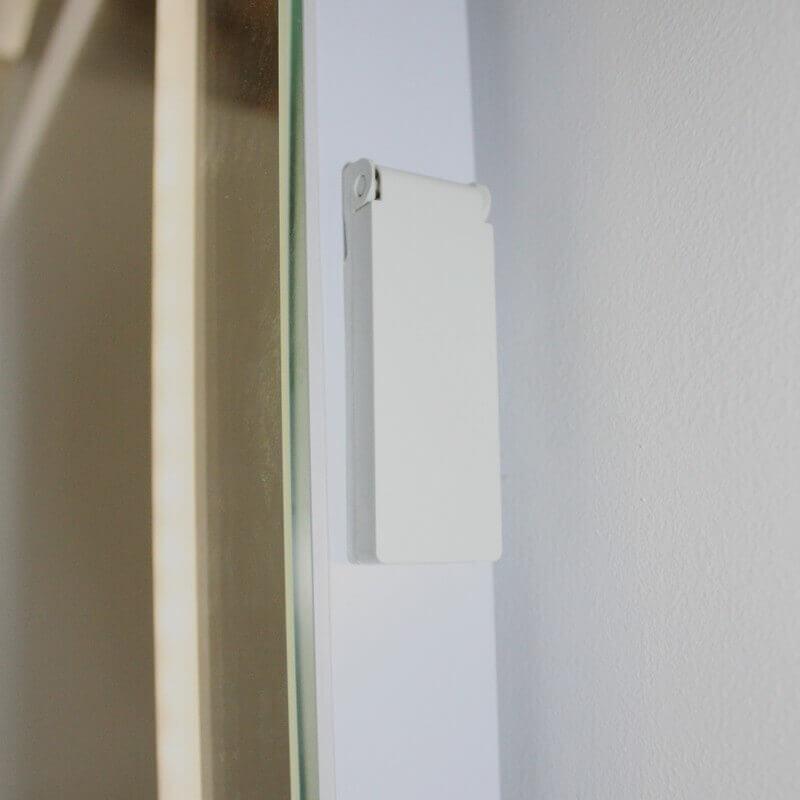 miroir salle de bain 50x70 cm clairage led allumage. Black Bedroom Furniture Sets. Home Design Ideas