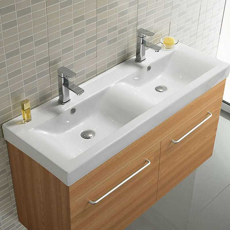 Lavabo double vasque essentiel lavabo suspendu c ramique rue du bain for Meuble lavabo double