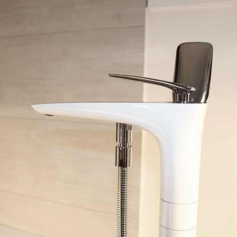 robinet mitigeur blanc concep 39 t robinet baignoire sur pied rue du bain. Black Bedroom Furniture Sets. Home Design Ideas
