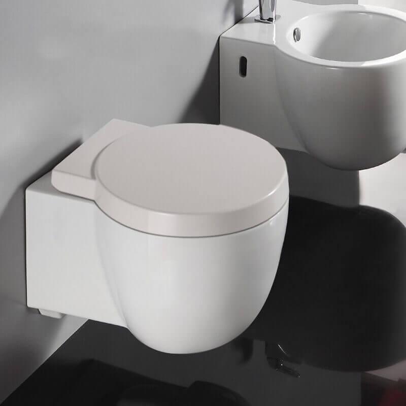 wc suspendu c ramique blanc avec abattant cuvette toilette. Black Bedroom Furniture Sets. Home Design Ideas